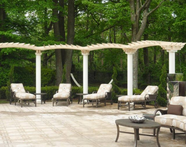 custome retreat painted pergola (2)