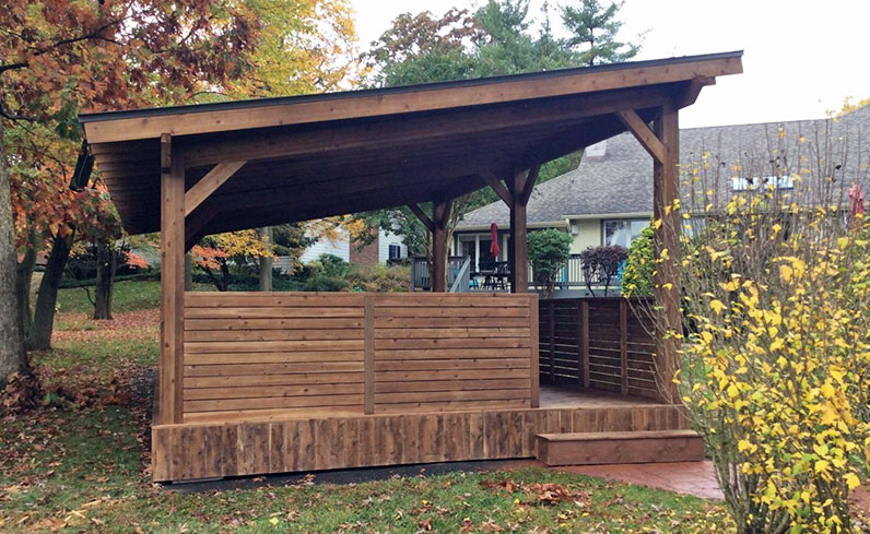 field contemporary outdoor kitchen structure